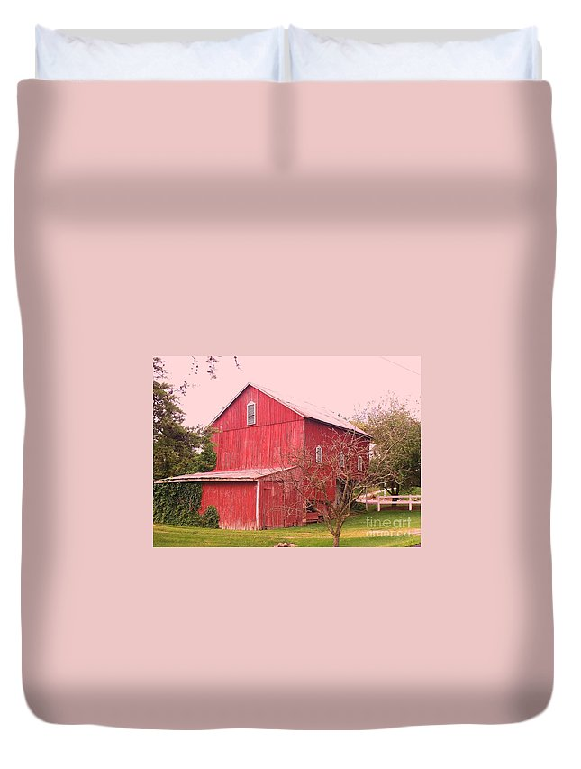 Pennsylvania Duvet Cover featuring the photograph Pennsylvania Barn Cira 1700 by Eric Schiabor