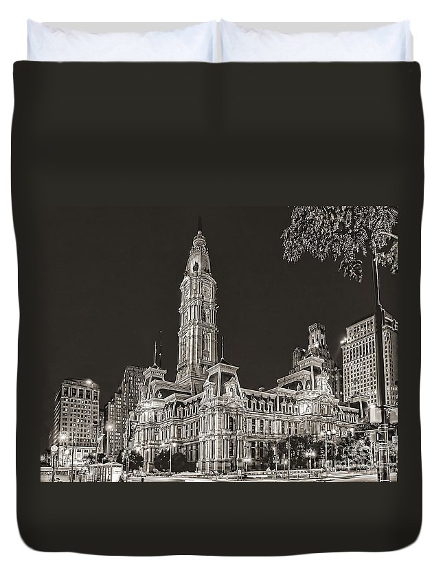 Philadelphia Duvet Cover featuring the photograph Philadelphia City Hall Mono by Nick Zelinsky