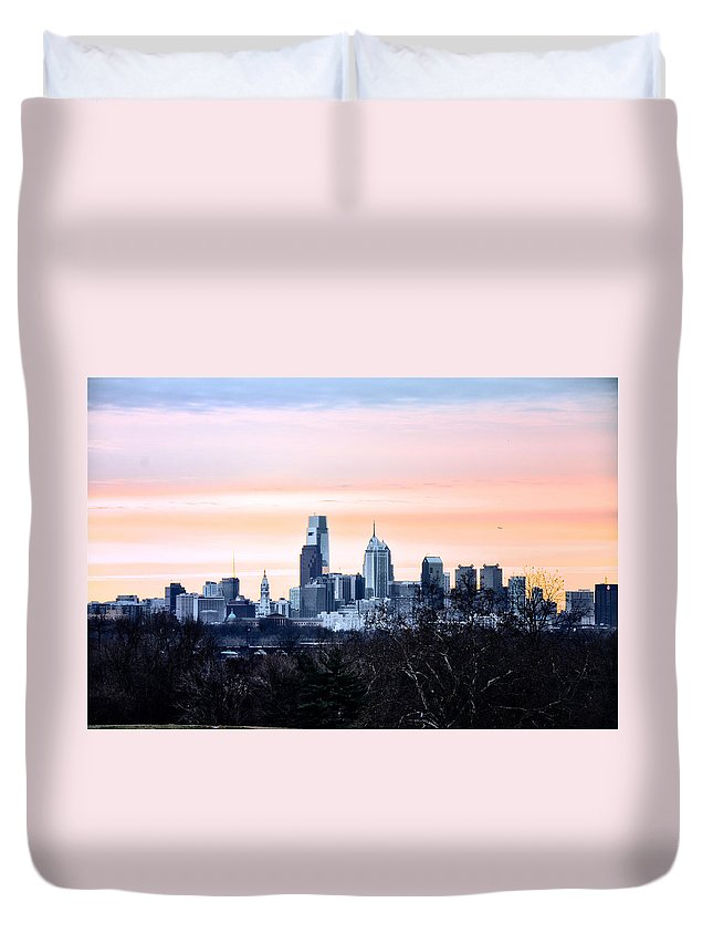 Philadelphia Duvet Cover featuring the photograph Philadelphia From Belmont Plateau by Bill Cannon