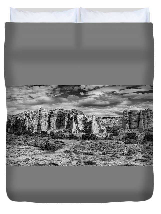 Plaza Blanca Duvet Cover featuring the photograph Piazza Bianca by Silvio Ligutti