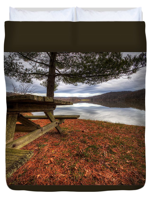 Salt Fork State Park Duvet Cover featuring the photograph Picnic On The Lake by David Dufresne