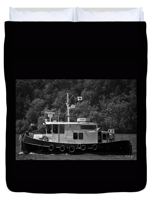 Boating Duvet Cover featuring the photograph Picton Boating by Phill Doherty