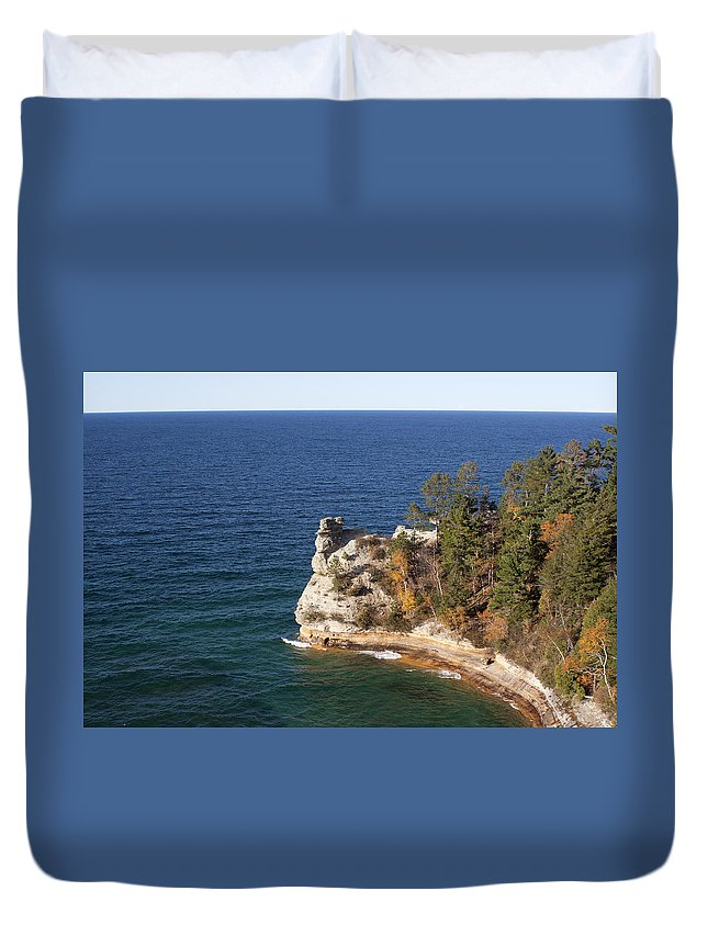 Pictured Rocks Duvet Cover featuring the photograph Pictured Rocks National Lakeshore by Debby Richards