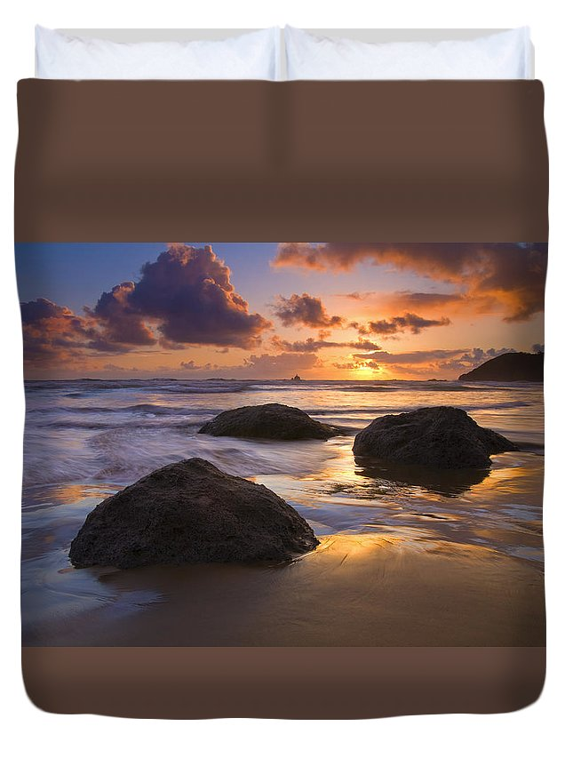 Sunset Duvet Cover featuring the photograph Pieces Of Eight by Mike Dawson