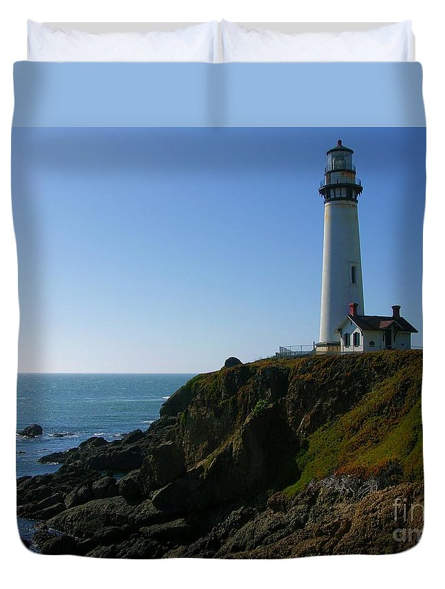 Pigeon Point Light Station Pigeon Point Lighthouse Duvet Cover featuring the photograph Pigeon Point Light Station by Carol Groenen