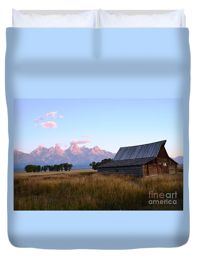 Mountains Duvet Cover featuring the photograph Pink Sunrise by Deanna Cagle