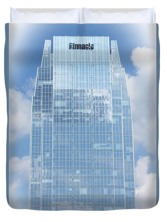 Scenic Duvet Cover featuring the photograph Pinnacle Tower by Bob Hislop