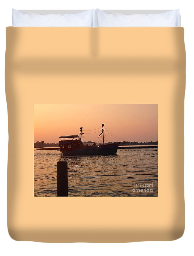 Pirate Ship Duvet Cover featuring the photograph Pirates Of Lake Erie by Anne Cameron Cutri