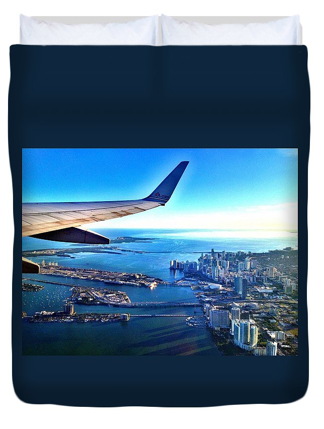 Airplane Duvet Cover featuring the photograph Plane Over Miami by Gilda Parente
