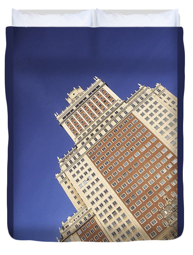 Spain Duvet Cover featuring the photograph Plaza Espana Madrid by James Brunker