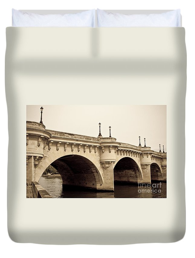 Europe Duvet Cover featuring the photograph Pont Neuf by Lana Enderle