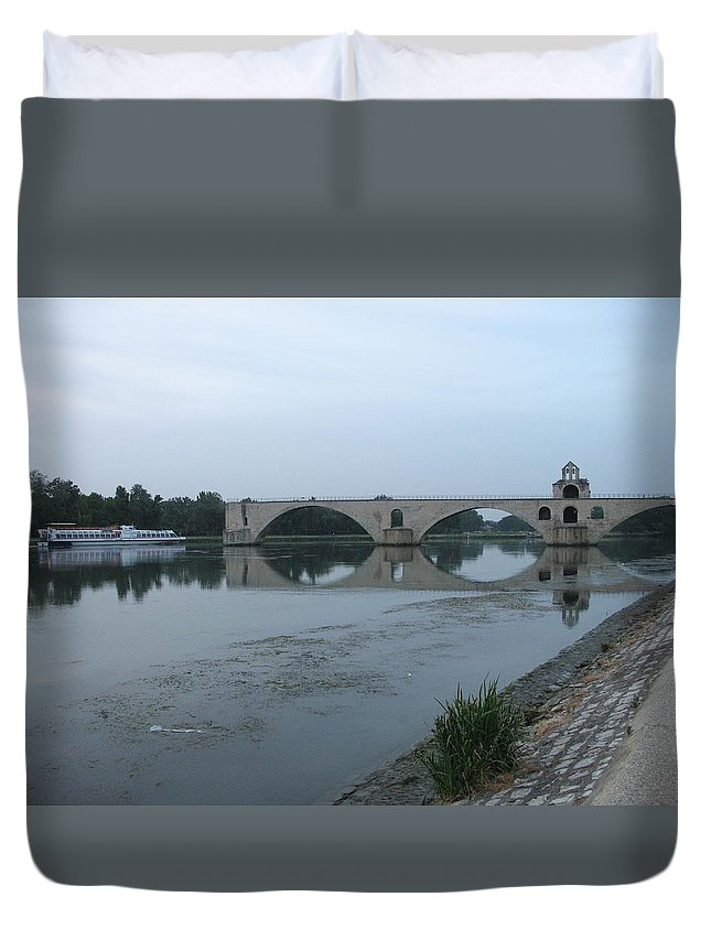 Evening Light Duvet Cover featuring the photograph Pont Saint Benezet In The Eveninglight by Christiane Schulze Art And Photography