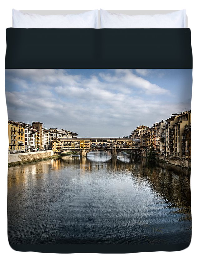 Italy Duvet Cover featuring the photograph Ponte Vecchio by Dave Bowman