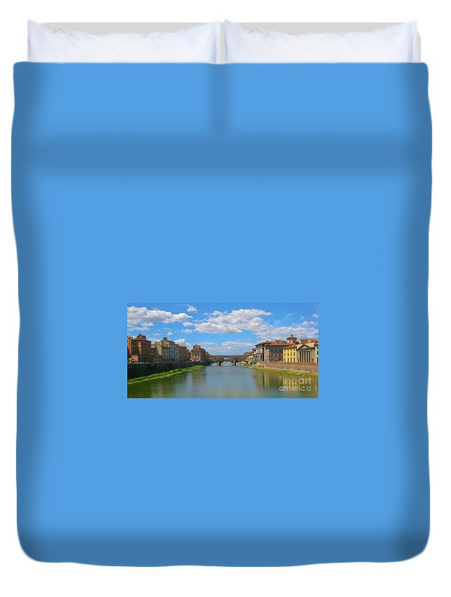 Beautiful Rivers Duvet Cover featuring the photograph Ponte Vecchio Over The Arno River At Florence Italy by John Malone