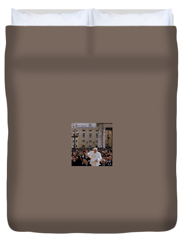 Vatican Duvet Cover featuring the photograph Pontiff's Greeting by Caroline Stella