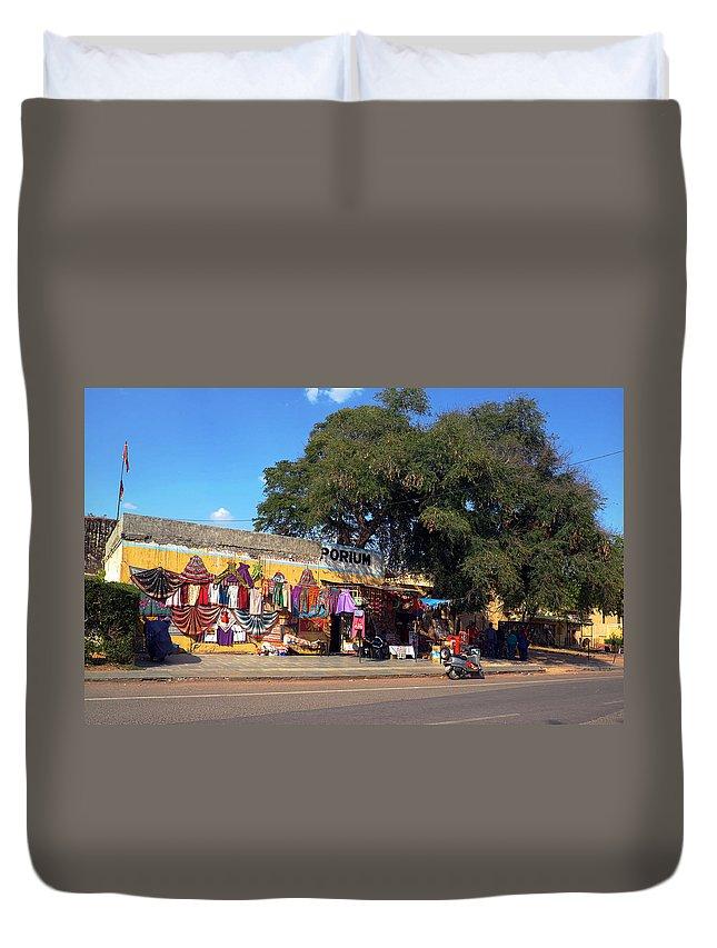 Store Duvet Cover featuring the photograph Porium by C H Apperson