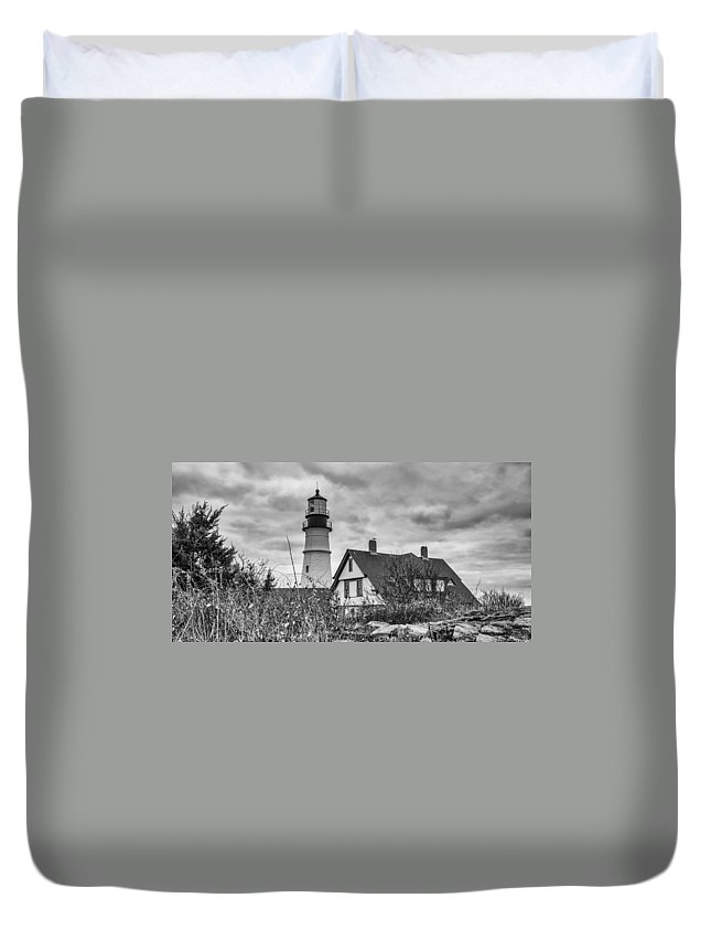 Atlantic Ocean Duvet Cover featuring the photograph Portland Head Light 14431b by Guy Whiteley