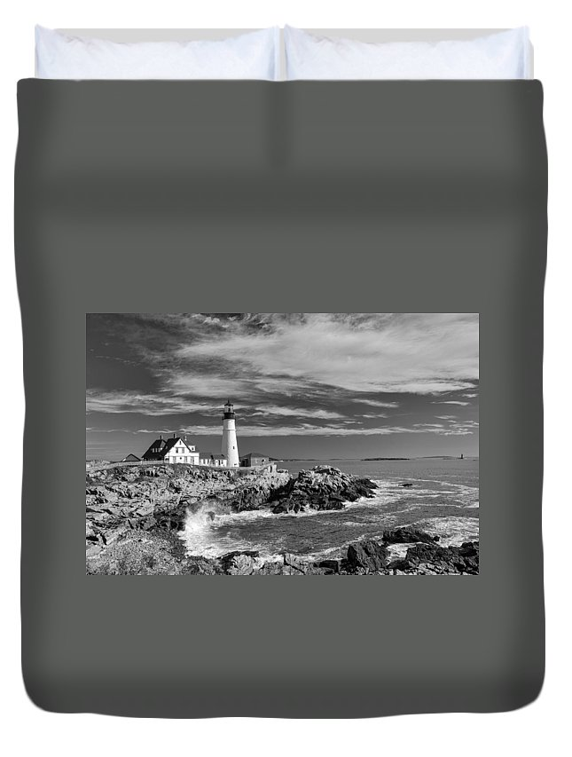 Atlantic Ocean Duvet Cover featuring the photograph Portland Head Light 19456b by Guy Whiteley