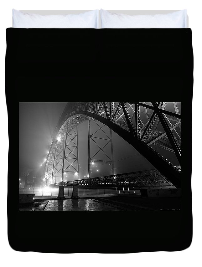 Landscape Duvet Cover featuring the photograph Porto @ Night Fog by Bruno Rosa