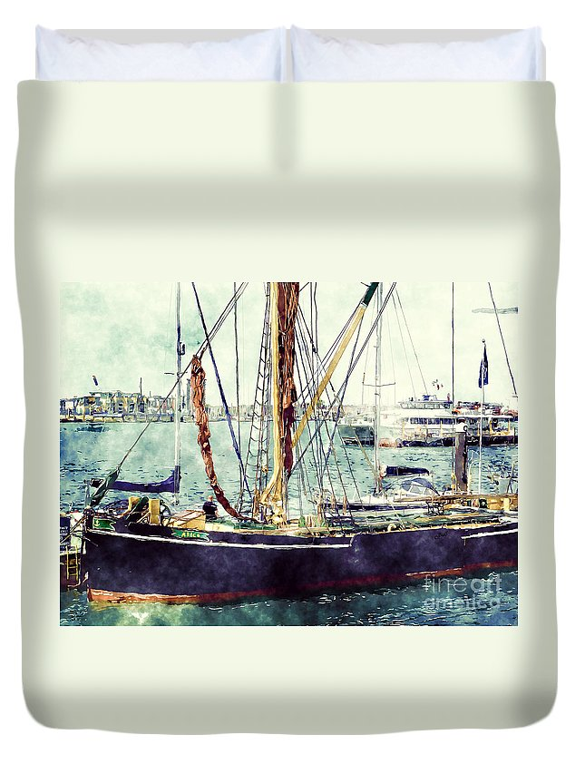 Portsmouth Duvet Cover featuring the photograph Portsmouth Harbour Boats by Claire Bull