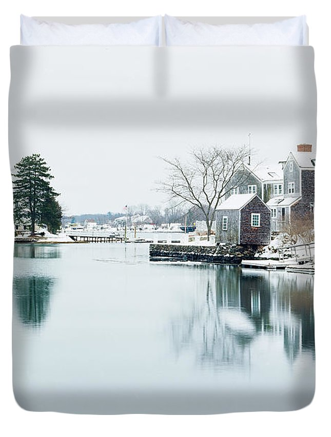 Duvet Cover featuring the photograph Portsmouth In Winter by Alyaksandr Stzhalkouski