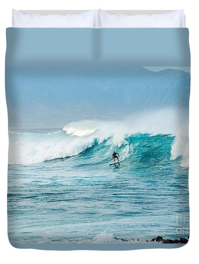 Hookipa Beach Duvet Cover featuring the photograph Power Thru by Jamie Pham