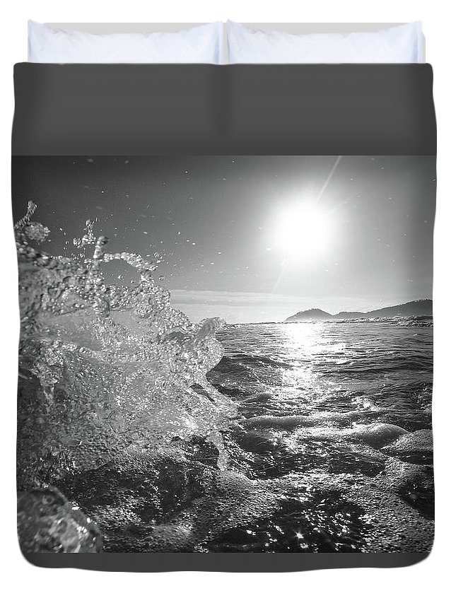 Curve Duvet Cover featuring the photograph Powerful Wave At Dawn by Gustavosilent