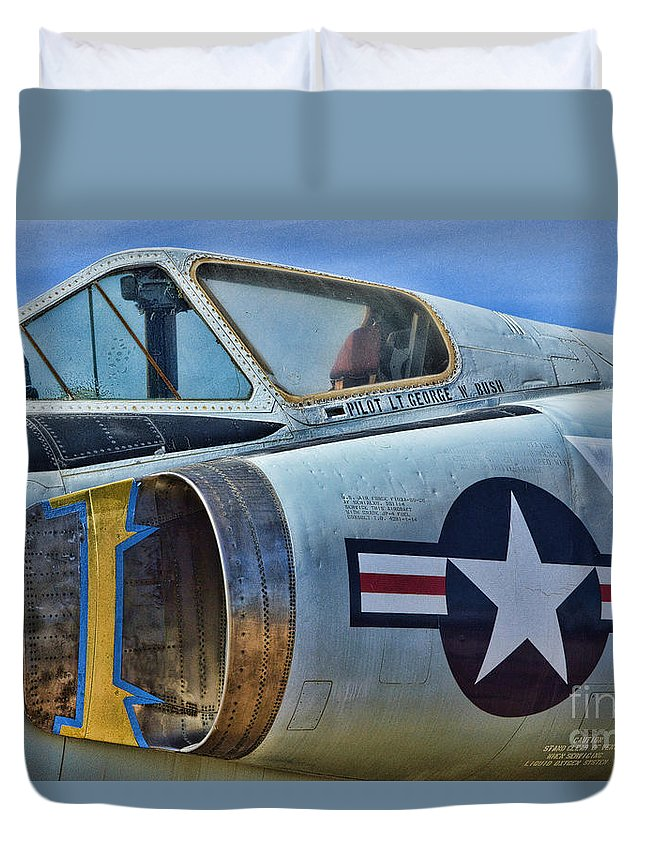Convair F-102 Delta Dagger Duvet Cover featuring the photograph Presidential Bird by Tommy Anderson