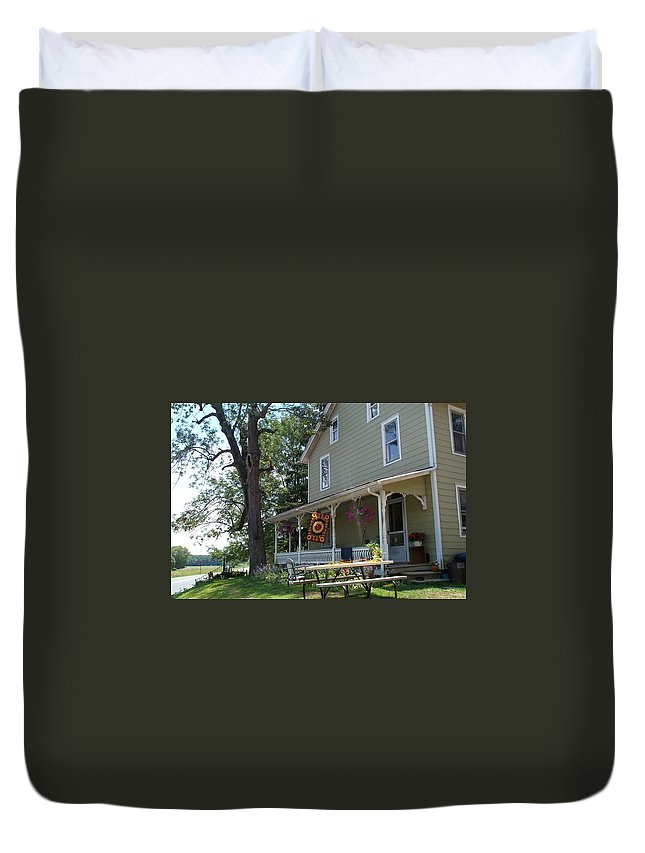 Pennsylvania Duvet Cover featuring the photograph Pretty In Pennsylvania by Barbara McDevitt