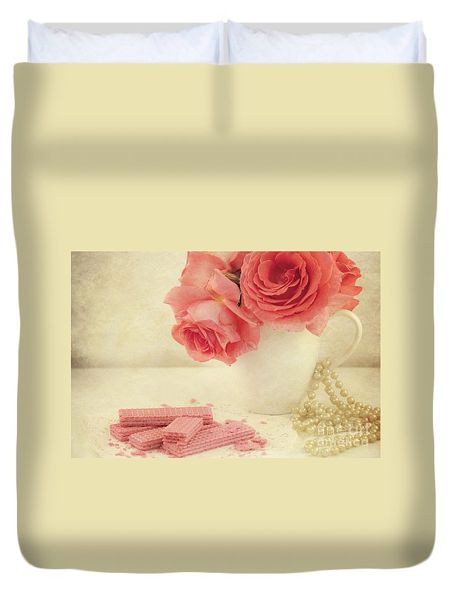 Pink Roses Duvet Cover featuring the photograph Pretty In Pink by Juli Scalzi