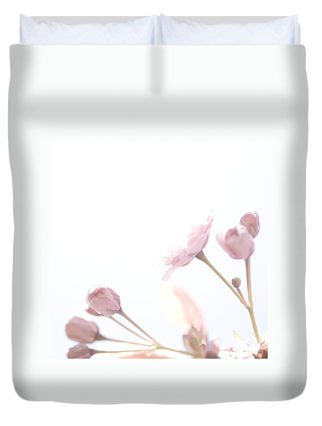Art Duvet Cover featuring the photograph Pretty In Pink - The Dreamer by Lisa Parrish