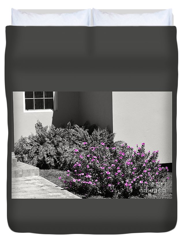 Flowers Duvet Cover featuring the photograph Pretty Pink Flowers by Laura Forde