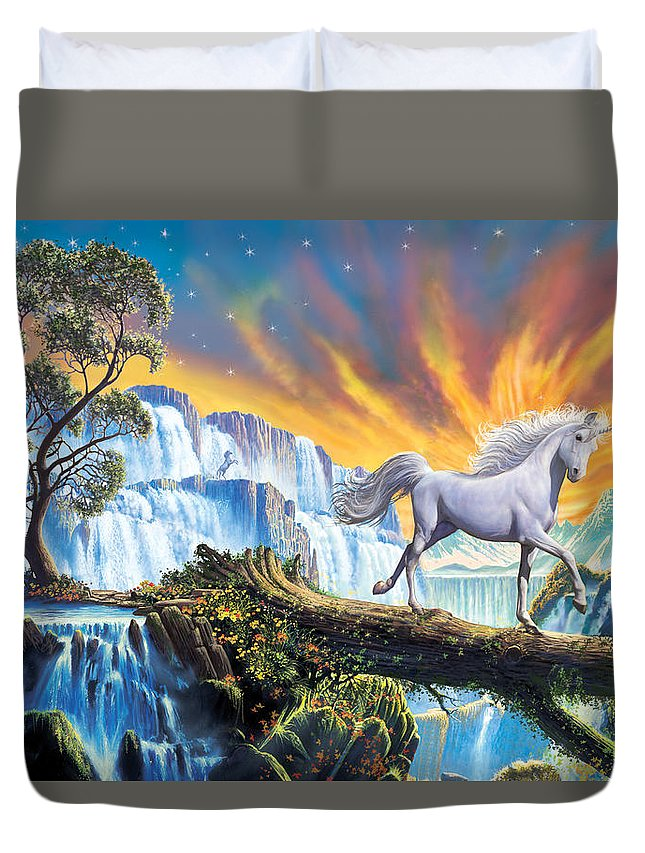 Animals Duvet Cover featuring the photograph Prince Of The Mountains by Steve Crisp