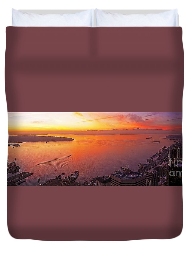 Seattle Duvet Cover featuring the photograph Puget Sound Sunset by Mike Reid