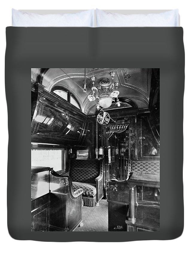 1901 Duvet Cover featuring the photograph Pullman Car El Fleda by Granger