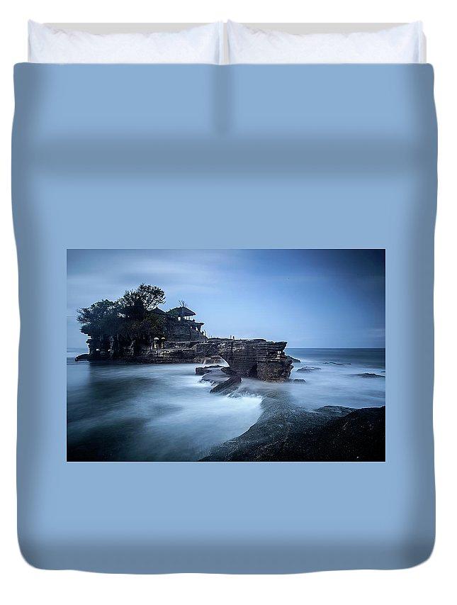 Pura Tanah Lot Duvet Cover featuring the photograph Pura Tanah Lot by Franciscus Nanang Triana