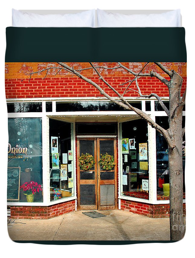 Pisgah National Forest Duvet Cover featuring the photograph Purple Onion I Saluda Nc by Jeff McJunkin