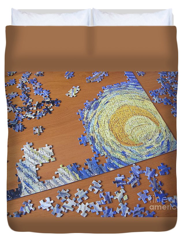 Puzzle Duvet Cover featuring the photograph Puzzled by Ann Horn