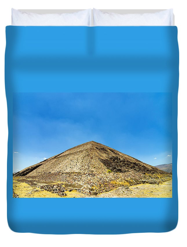 Teotihuacan Duvet Cover featuring the photograph Pyramid Of The Sun by Jess Kraft