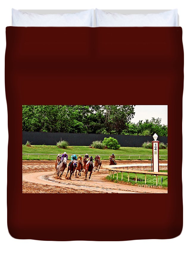 Horse Racing Duvet Cover featuring the photograph Quarter Turn 1 012md2 by Earl Johnson
