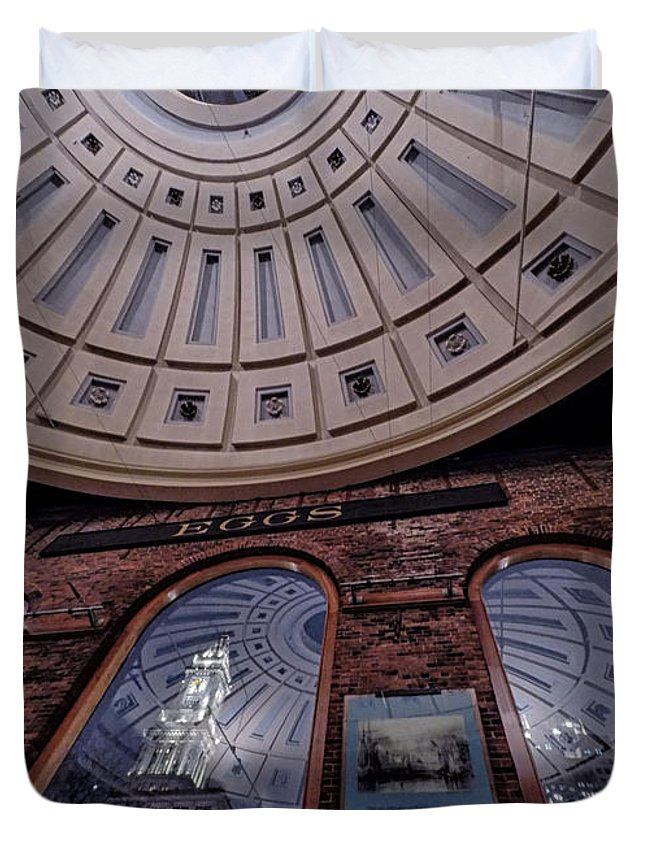 Quincy Marketplace Duvet Cover featuring the photograph Quincy Market by Scott Thorp