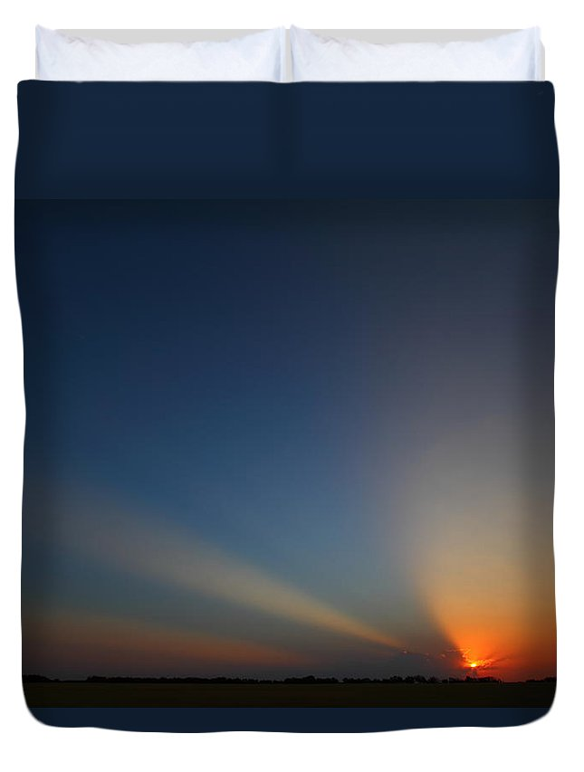Sunrise Duvet Cover featuring the photograph Brazos River 2am-107649 by Andrew McInnes