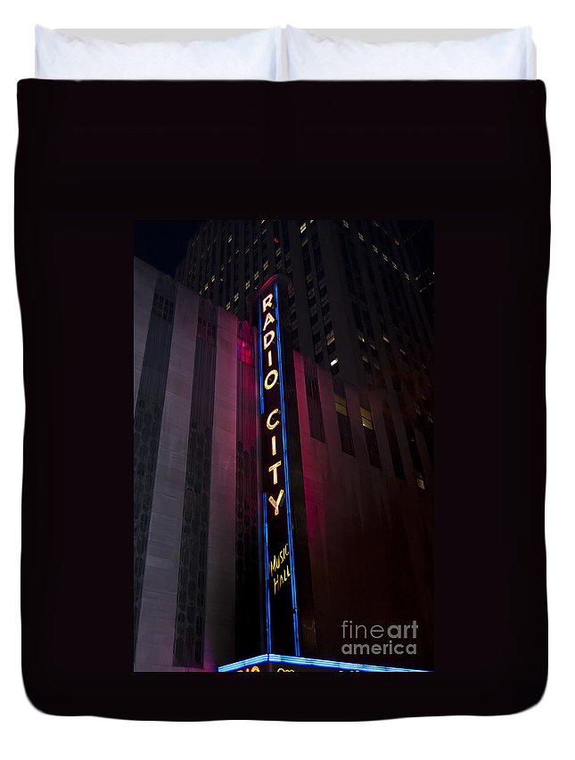 Radio City Music Hall Duvet Cover featuring the photograph Radio City by Steve Purnell