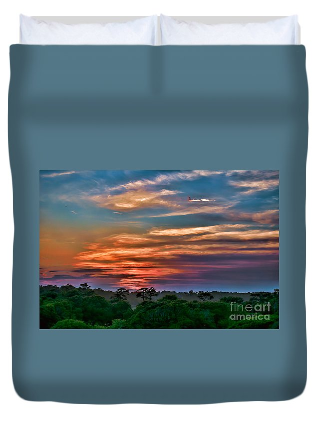 Sunset Duvet Cover featuring the photograph Rainbow Sunset by Photos By Cassandra