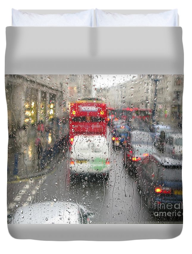 Rainy Day London Traffic By Ann Horn Duvet Cover featuring the photograph Rainy Day London Traffic by Ann Horn