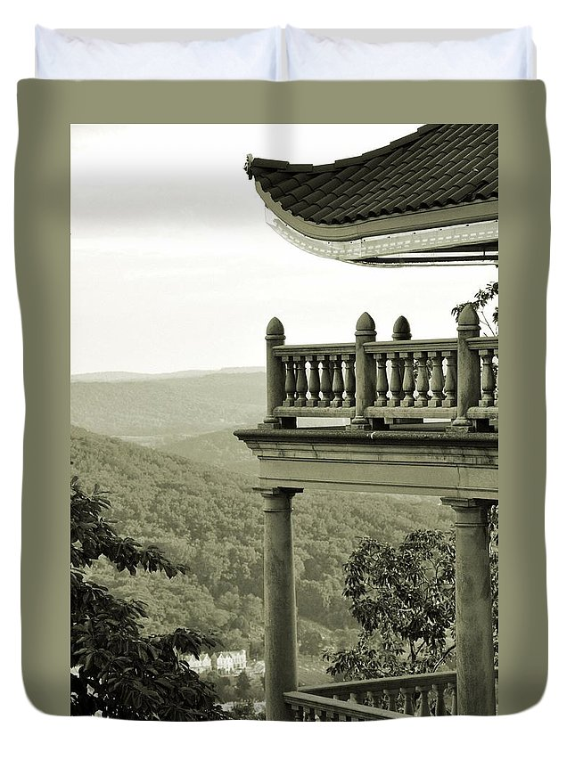 Landscape Duvet Cover featuring the photograph Reading Pagoda by Valoree Skiles