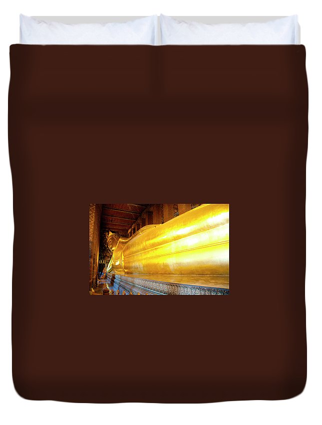 Statue Duvet Cover featuring the photograph Reclining Buddha, Wat Pho by Leontura