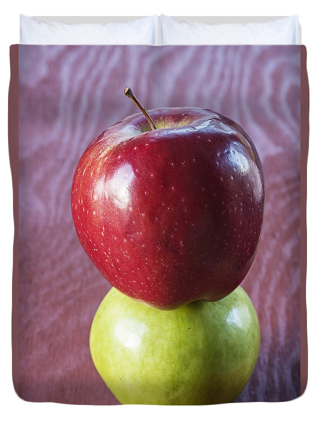 Apple Duvet Cover featuring the photograph Red And Green Apples by Vishwanath Bhat