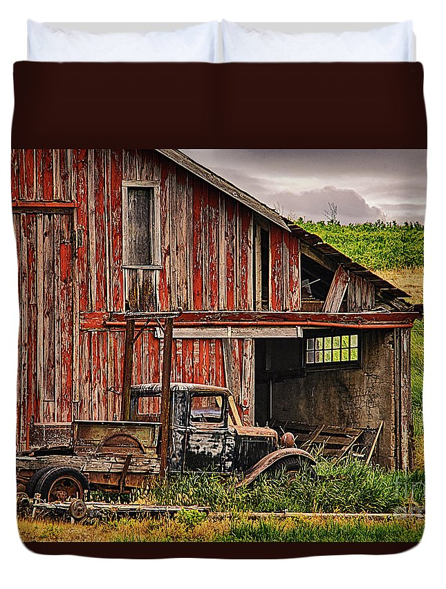 Barn Duvet Cover featuring the photograph Red Barn And Truck In The Palouse by Priscilla Burgers