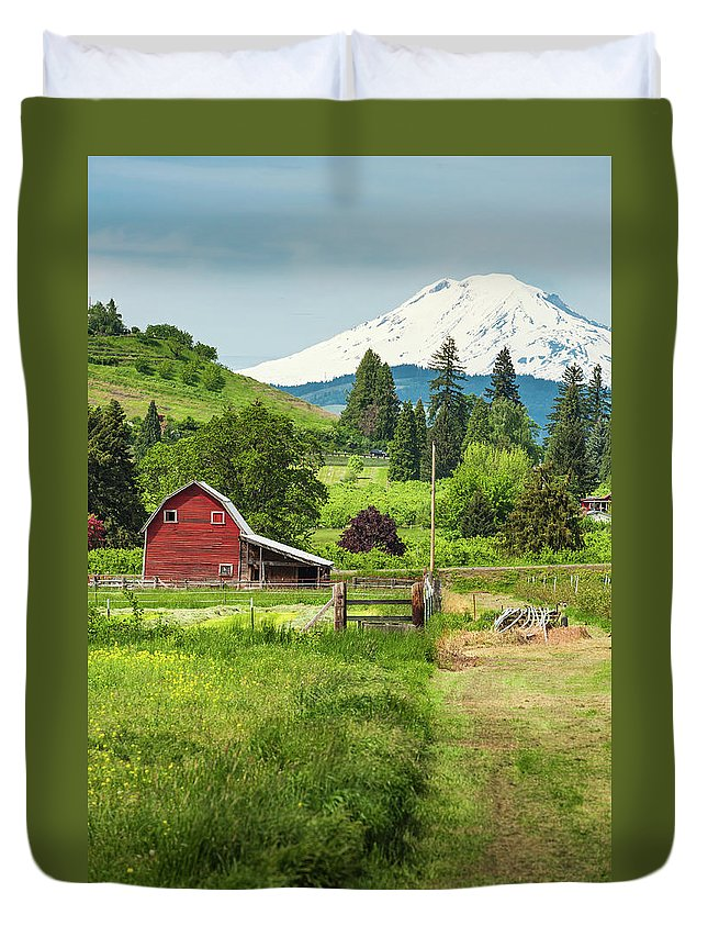 Scenics Duvet Cover featuring the photograph Red Barn Green Farmland White Mountain by Fotovoyager